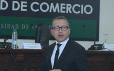 Alvaro Otal en la facultad de comercio